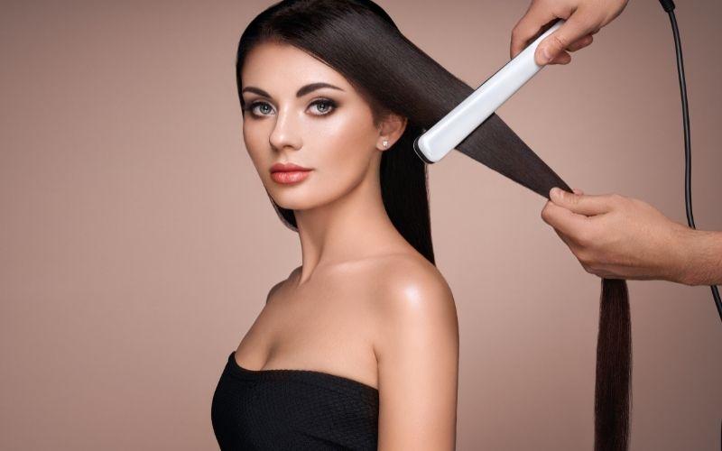 Recenze 12 nejlepších žehliček na vlasy 👍 | Parní, cestovní, mini, s keratinem
