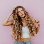 Krásné lokny si uděláte třeba kulmou na vlasy