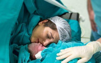 Porod císařským řezem 🤰🏻 | Zkušenosti, jak se připravit (2021)